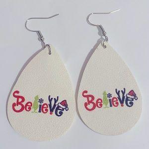 ‼️$5 add on/BOGO(2/$10)‼️Grinch faux leather Christmas teardrop shaped earrings